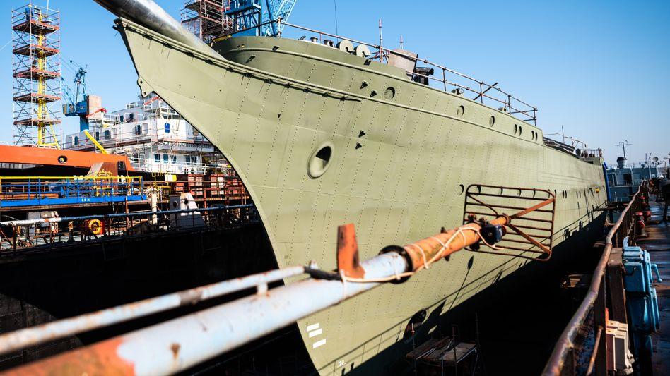 """""""Gorch Fock"""" in einem Dock der Bredo-Werft: Unternehmen streitet mit der Bundeswehr"""