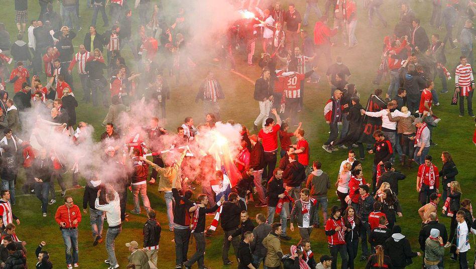 Fortuna-Fans: Sollen mögliche Geldstrafe des Vereins zahlen