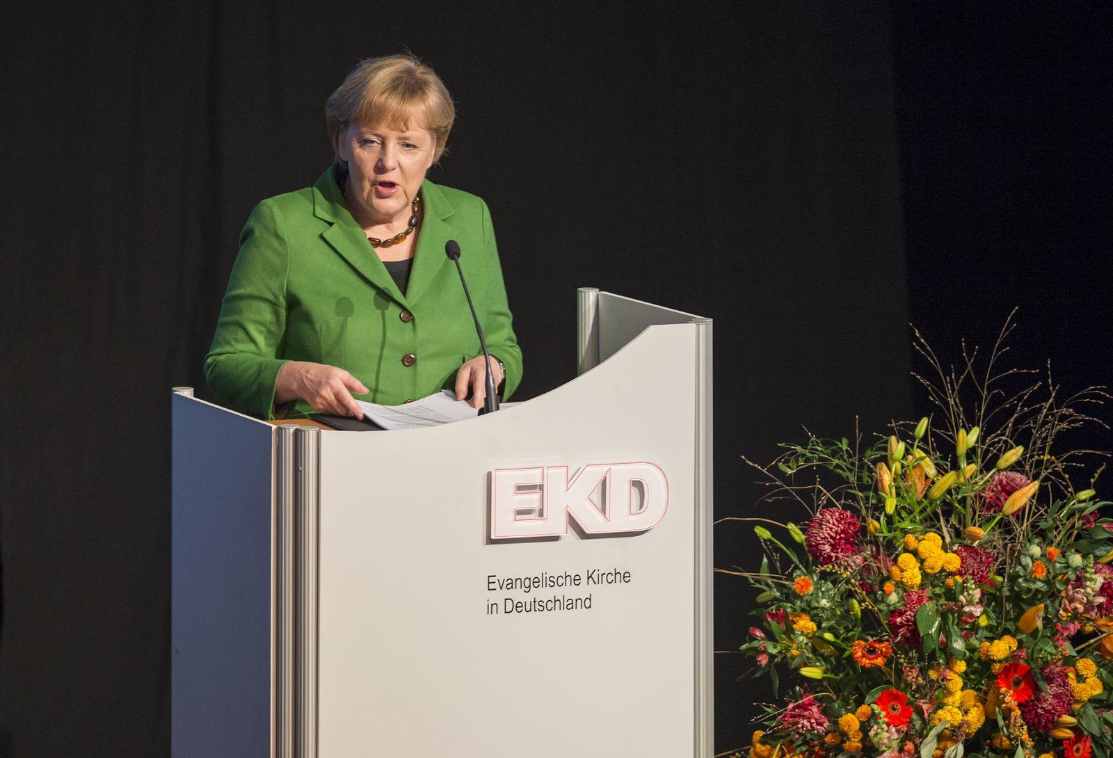NICHT VERWENDEN Merkel bei EKD