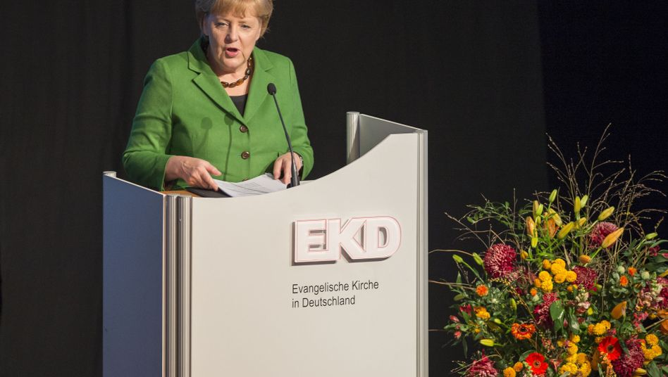 Kanzlerin Merkel bei der Synode der Evangelischen Kirche: Absage an den Laizismus