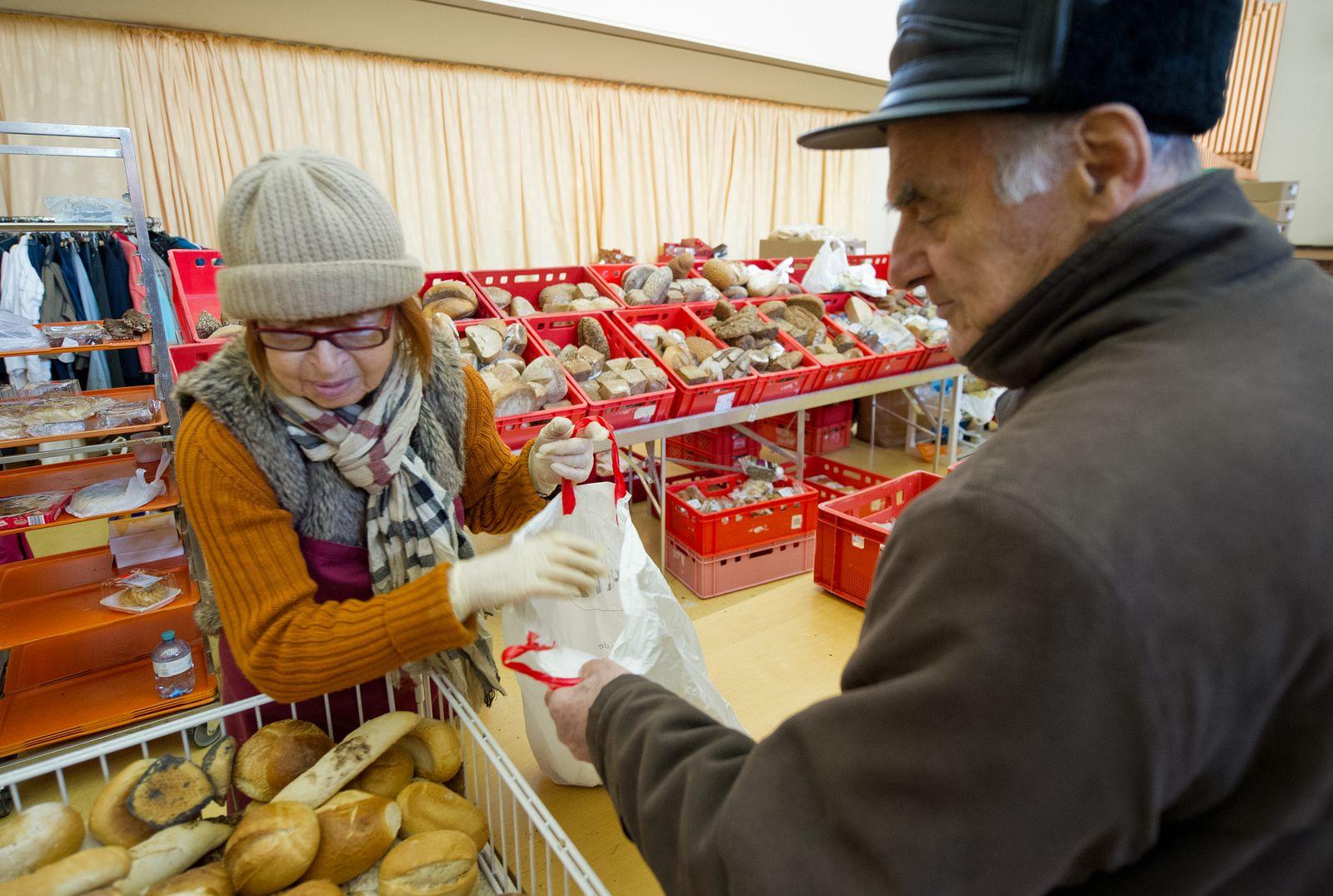 Altersarmut / Armut / Armenküche / Arm / Bedürftige / Suppenküche