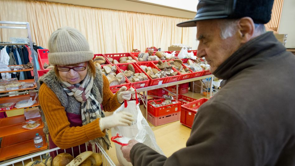 A food bank for the needy in Wiesbaden.