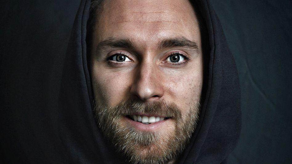 Christian Eriksen bei einem Fotoshooting im Februar in Italien: Kann der dänische Profi seine Karriere nach dem Herzstillstand fortsetzen?