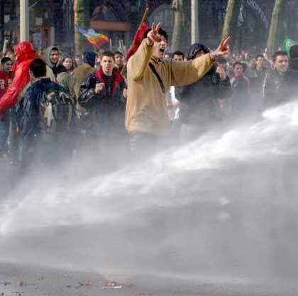 Demonstration gegen Irak-Krieg: Aggressiver Pazifismus