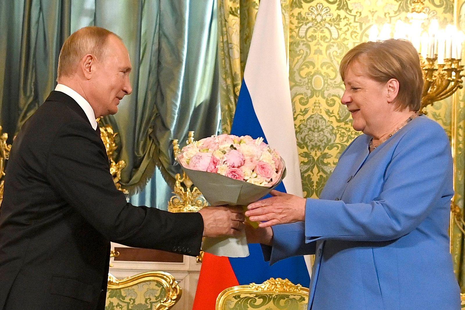 Russia: Putin-Merkel Summit in Moscow