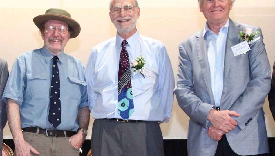Jeffrey C. Hall, Michael Rosbash and Michael W. Young (von links nach rechts) im September 2013