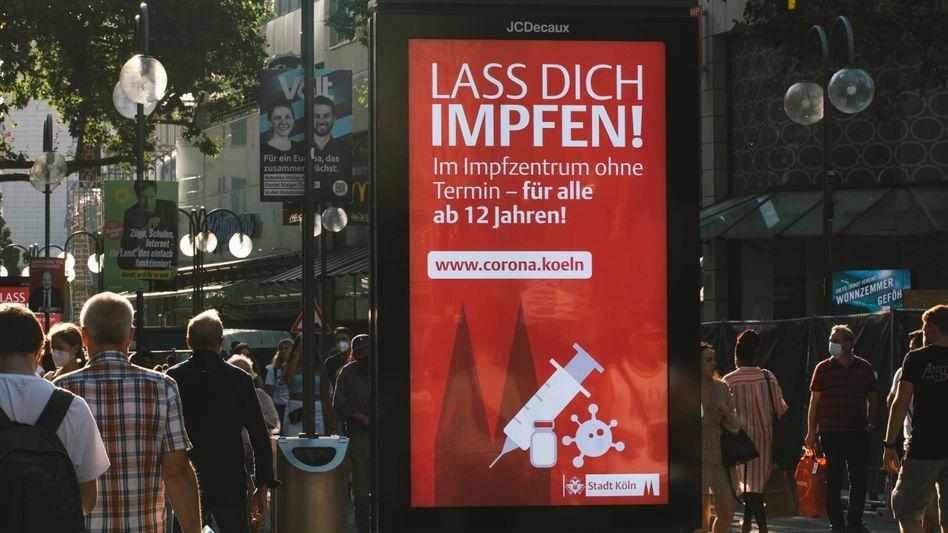Werbung für Coronaimpfung in Köln