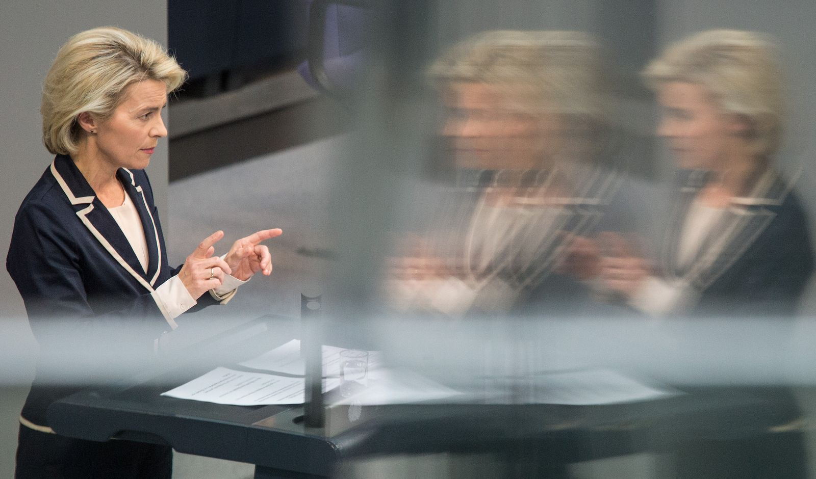 Bundestag / Ursula von der Leyen / vdl