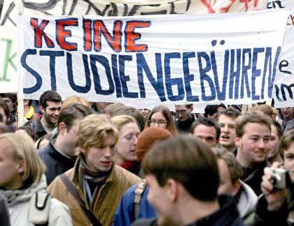 Demo gegen Gebühren: Rund 6000 Studenten kamen nach Karlsruhe