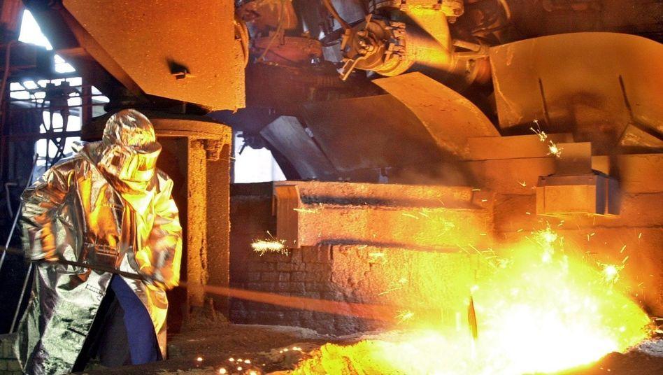 Stahlwerk von ArcelorMittal (in Eisenhüttenstadt): Der Konzern will das Bußgeld prüfen