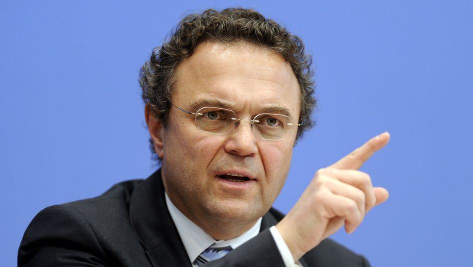 Innenminister Friedrich: Die Opferzahlen rechtsextremer Gewalt könnten korrigiert werden
