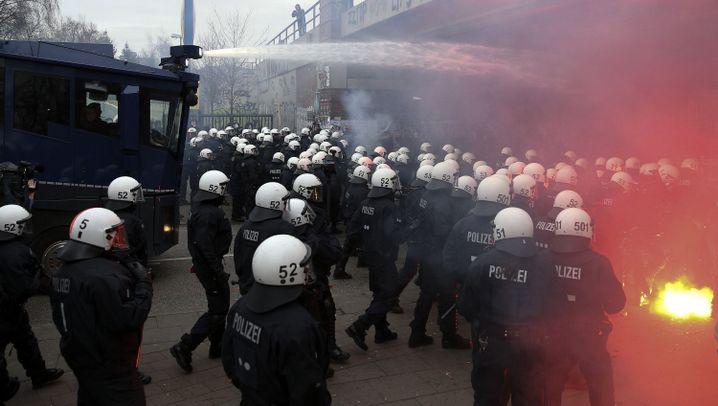 Eskalierte Großdemo: Krawalle in Hamburg