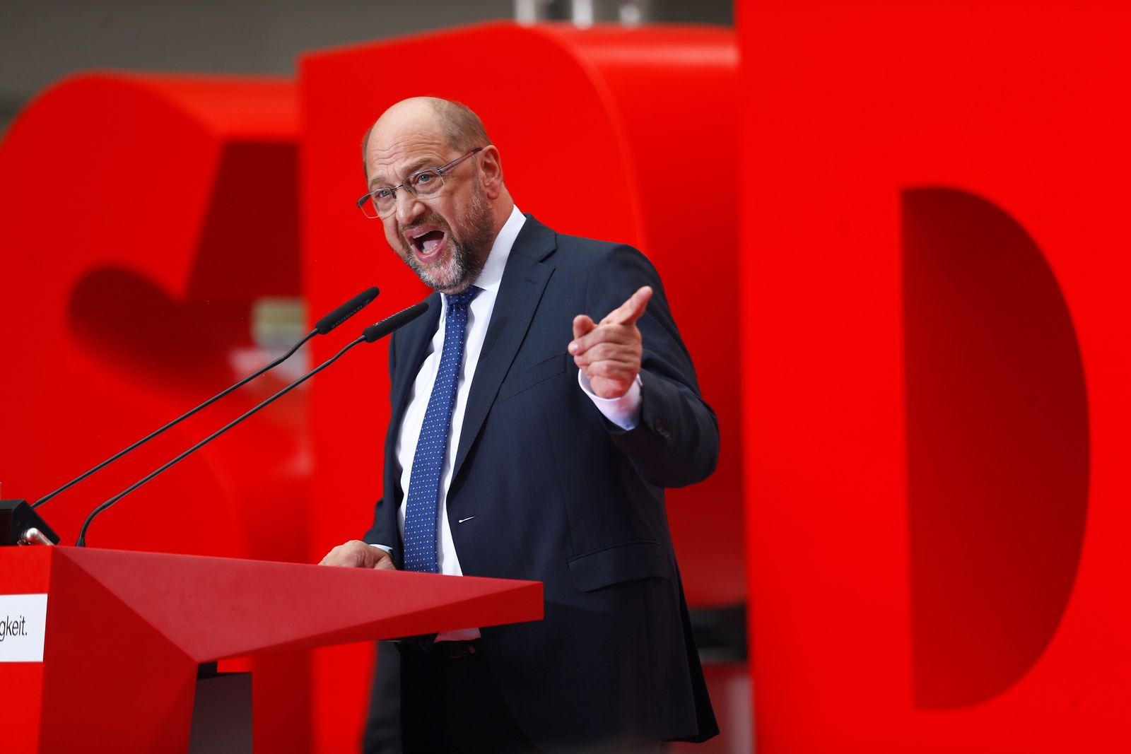Schulz/ brüllend/ emotional/ engagiert