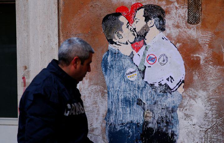 Wandmalerei zeigt Salvini und Di Maio