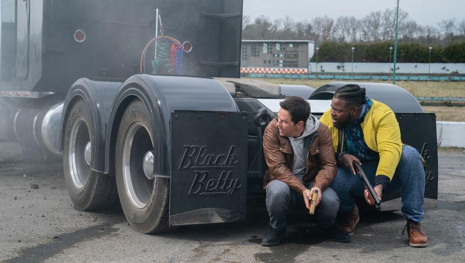 "Trucks, Classic Rock, echte Kerle: Mark Wahlberg in ""Spenser Confidential"""