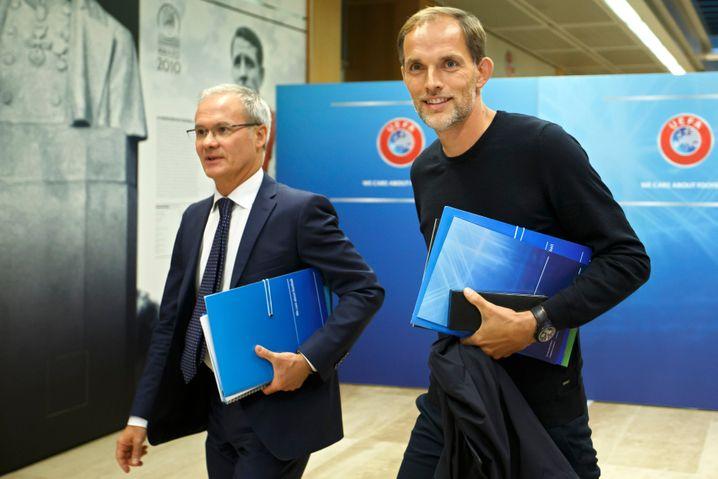 Thomas Tuchel (rechts) auf der Uefa-Sitzung in Nyon