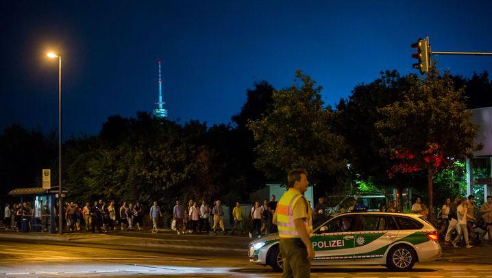 München: Schüsse im Einkaufszentrum