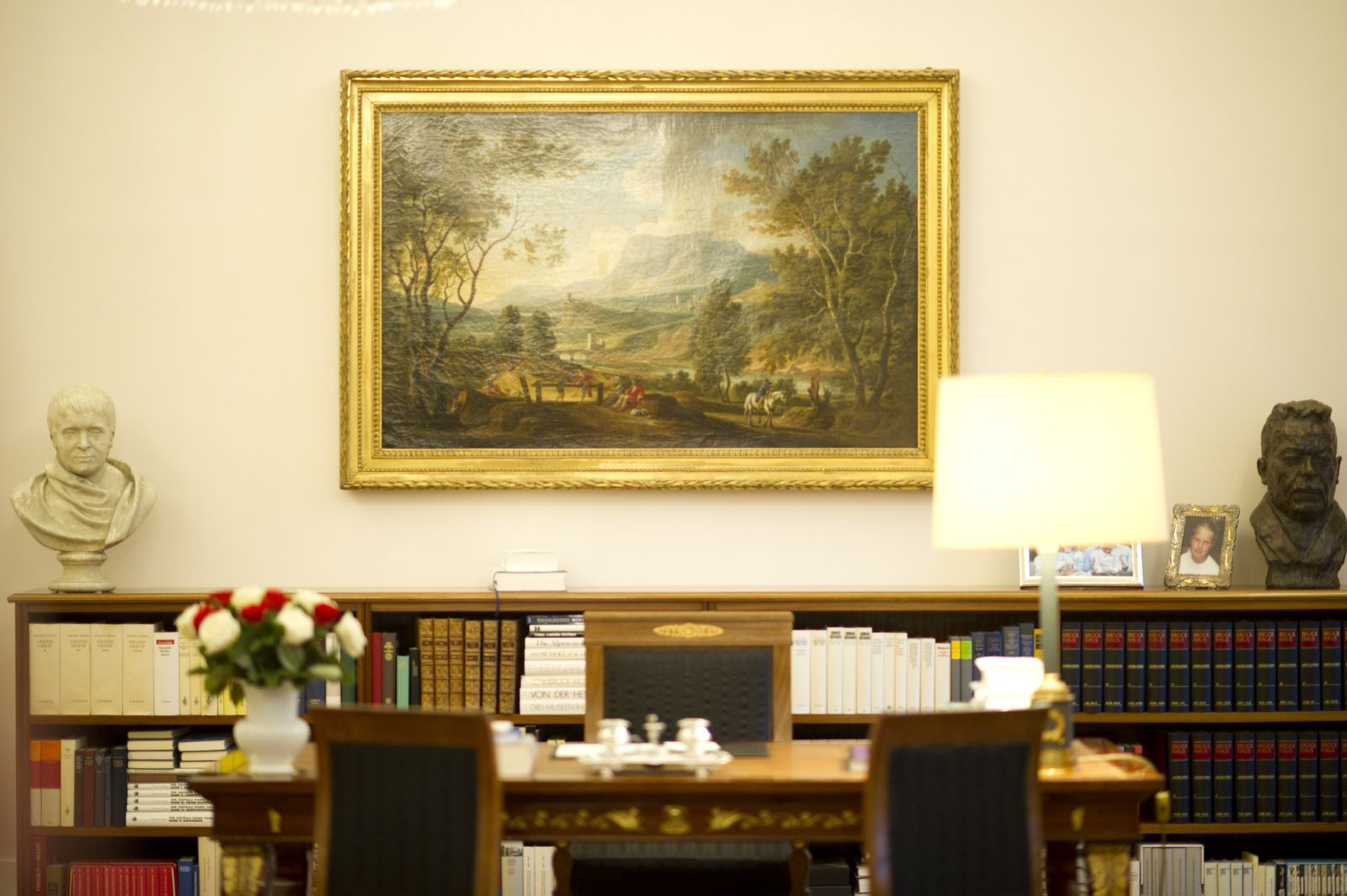 NICHT VERWENDEN Amtszimmer des Bundespräsidenten