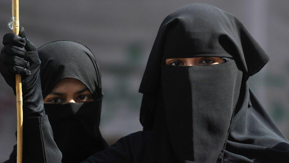 Muslimische Frauen im pakistanischen Karatschi (Archivbild)