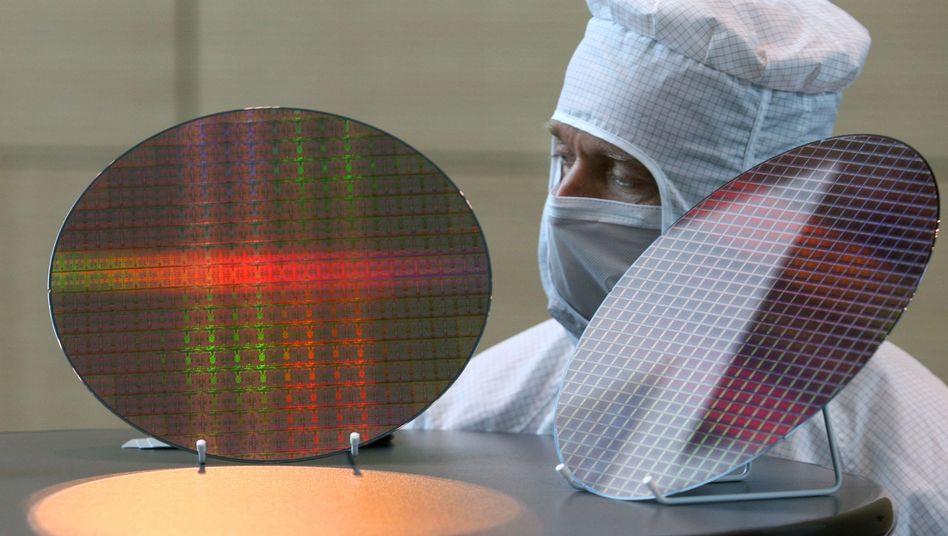 Chip-Herstellung bei AMD (Archivbild): Probleme mit dem Konkurrenten Intel