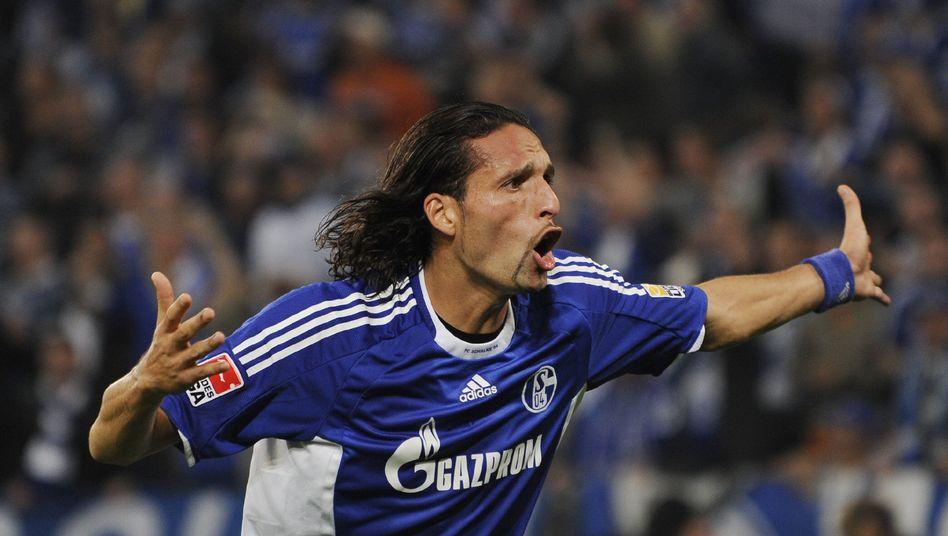 Schalke-Profi Kuranyi: Droht wegen eines Infekts für das Derby gegen den BVB auszufallen