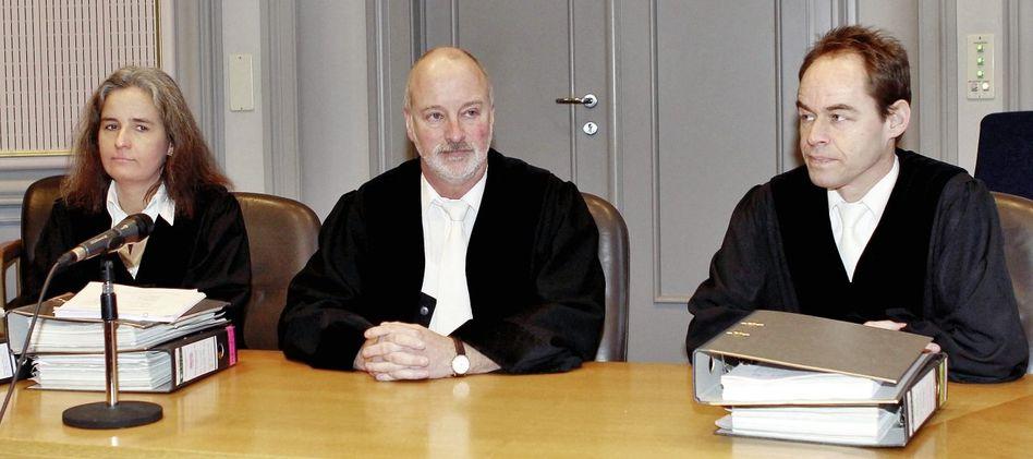 Vorsitzender Brommann (M.), Beisitzer: Annäherung an unbegreifliche Taten