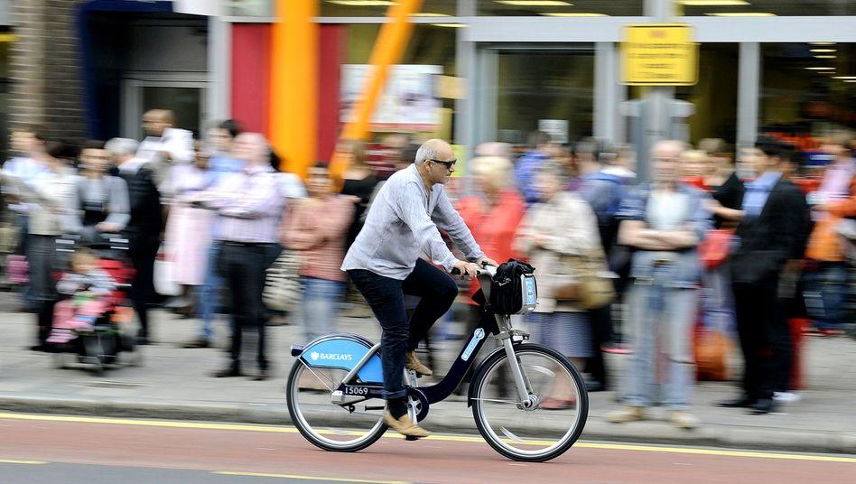 Mit dem Stadtrad in London unterwegs (Archivbild): Alternative zu Bus, Bahn, Auto und Fußmarsch