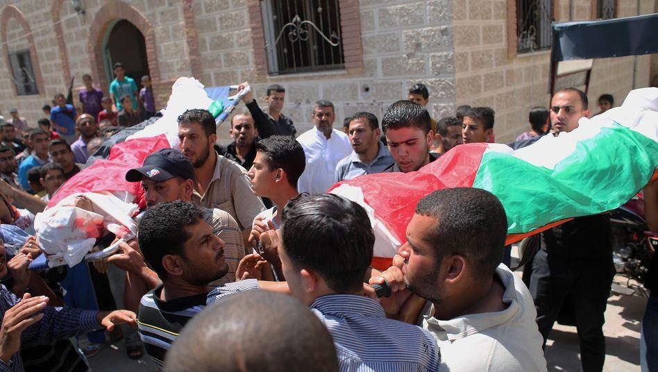 Mit Sicherheit Zivilisten: Zwei palästinensische Jugendliche werden Ende August beerdigt