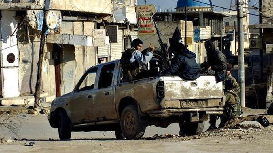 Kämpfer in IS-Hochburg Rakka: Aus Syrien gesteuerter Terror