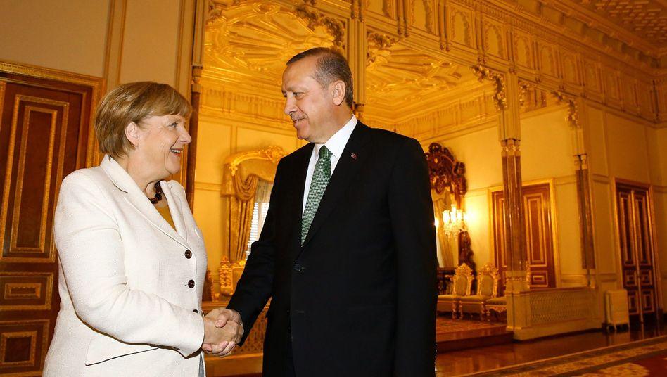 Angela Merkel in der Türkei: Hilfst du mir, so helf ich dir