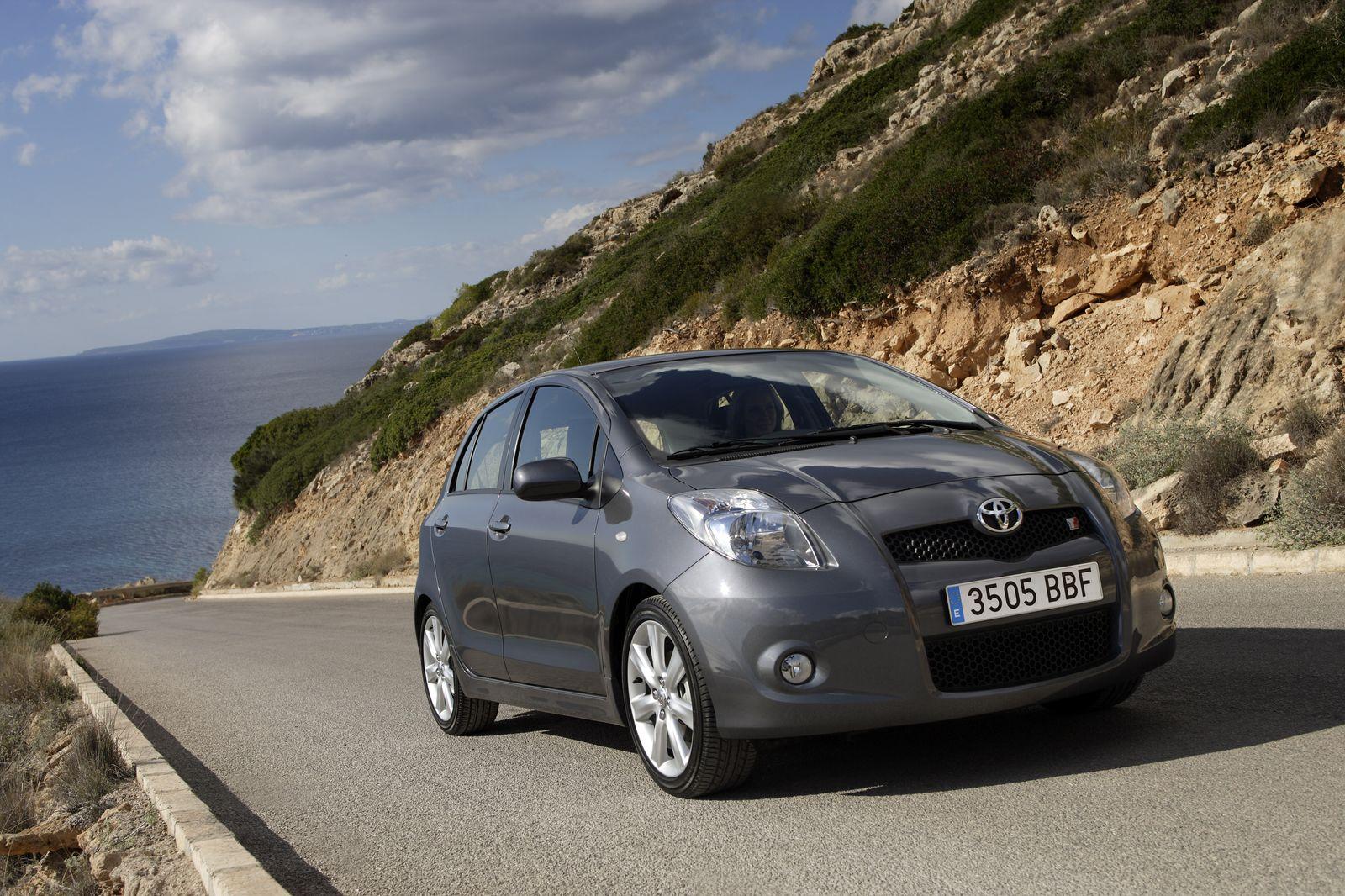 NICHT VERWENDEN Themendienst Auto: Toyota Yaris TS