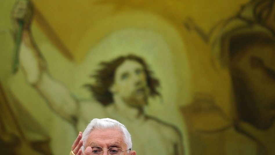 Papst Benedikt XVI.: Heftige Debatte in den Fraktionen des Bundestags