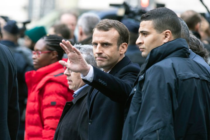 Präsident Macron auf den Champs-Élysées