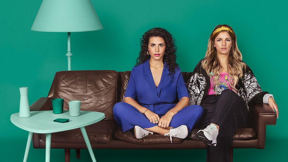 """Ariana Baborie, Laura Larsson - nominiert für den Deutschen Comedypreis für den Podcast """"Herrengedeck"""""""