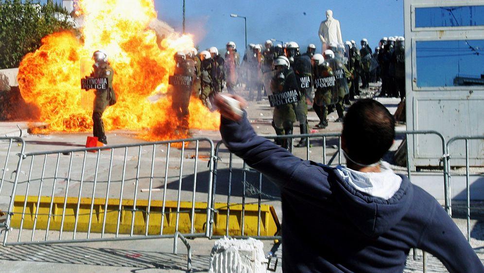 Ausschreitungen: Flammen auf den Straßen von Athen