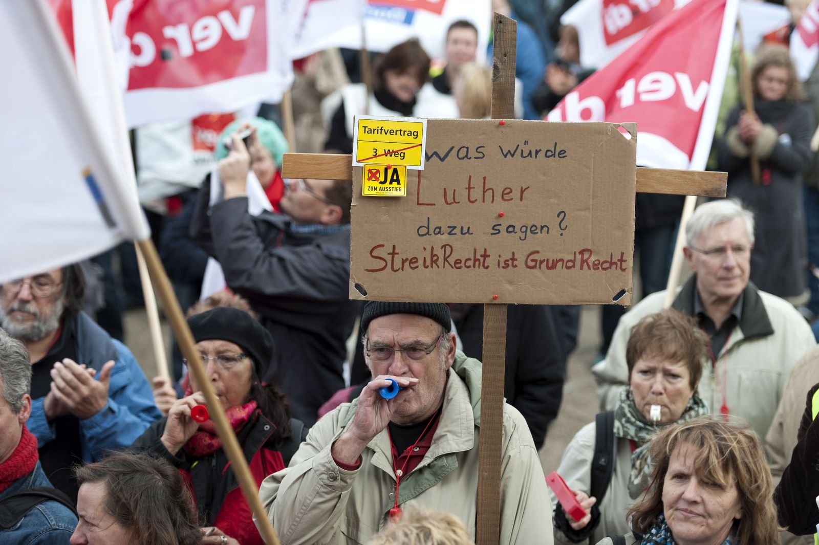 NICHT VERWENDEN Urteile/Kirchen/Arbeitsrecht/Streikrecht