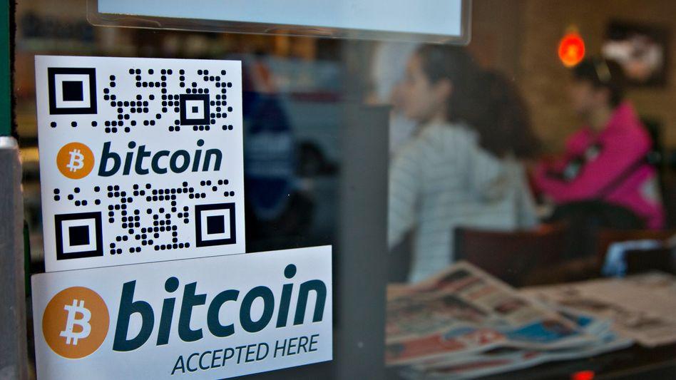 Bitcoin-Logo: Händler wie dieses Café in Vancouver akzeptieren die Kryptowährung
