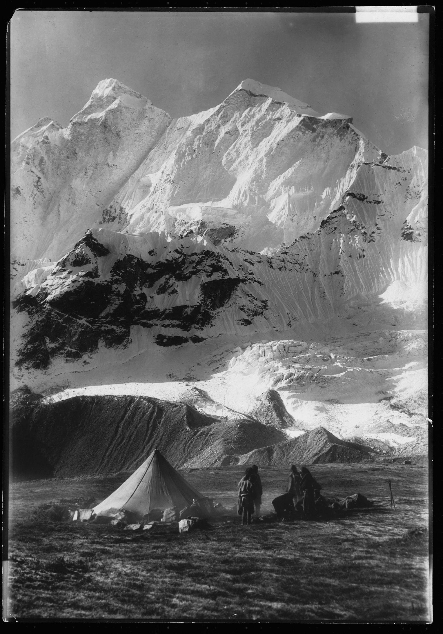 Первые попытки покорить Эверест