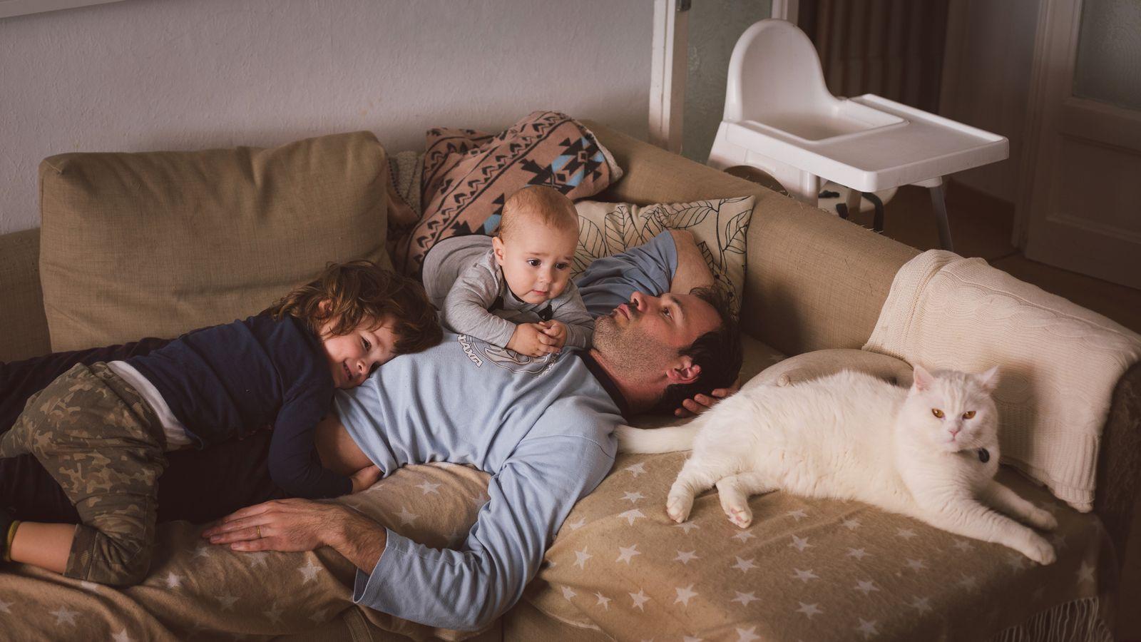 EINMALIGE VERWENDUNG Elterncouch/ Akku leer