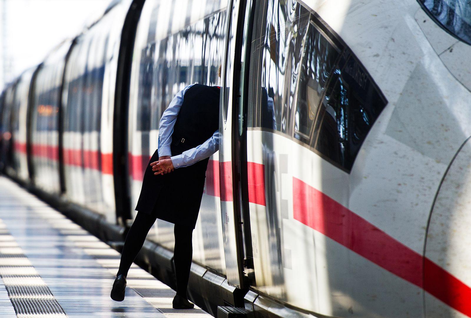 Deutsche Bahn / Streik / /Zugausfälle