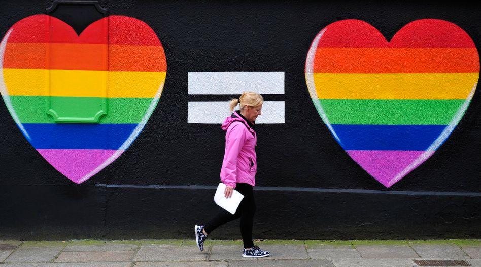 """Streetart in Irland: """"Öffnung der Ehe für gleichgeschlechtliche Paare ist überfällig"""""""