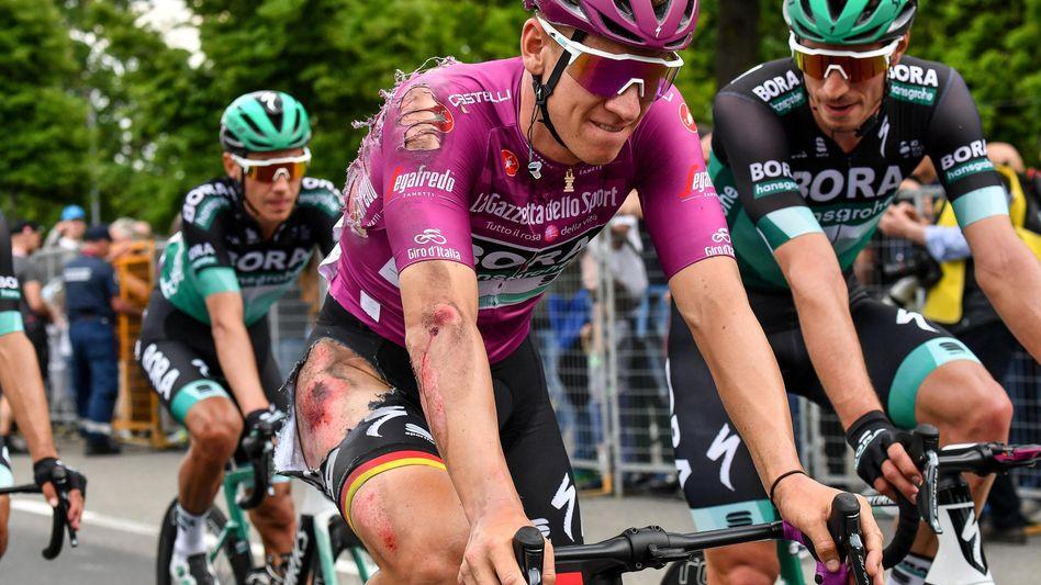 Pascal Ackermann nach einem Sturz beim Giro