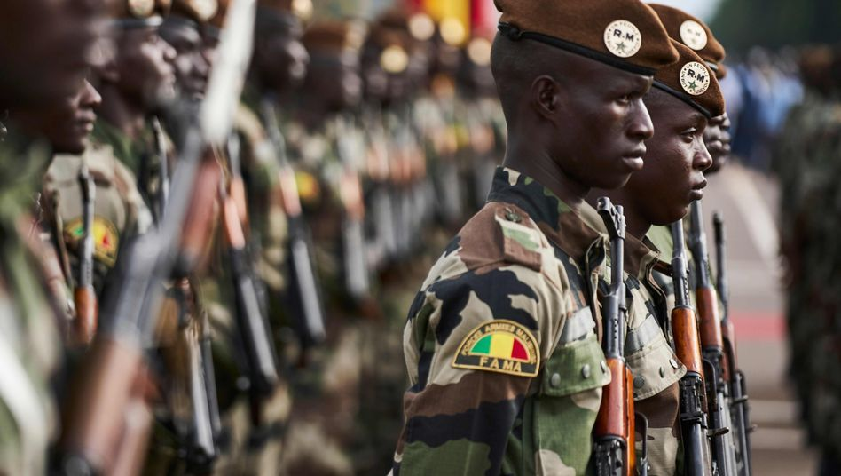 Soldaten in Bamako, Mali
