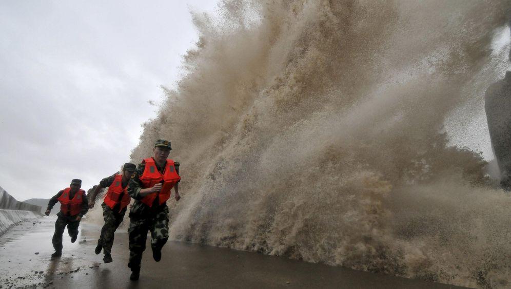"""Taifun in China: """"Fitow"""" kommt - mit Wind und Wellen"""