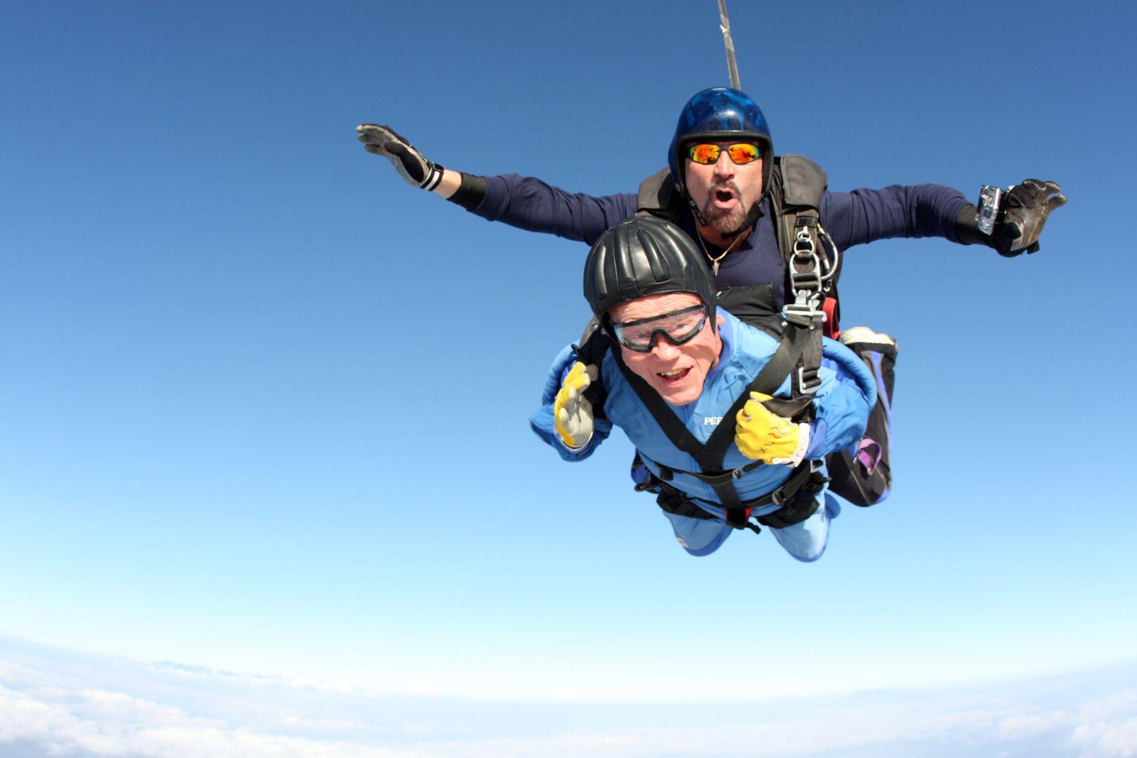 Hundertjähriger Fallschirmspringer