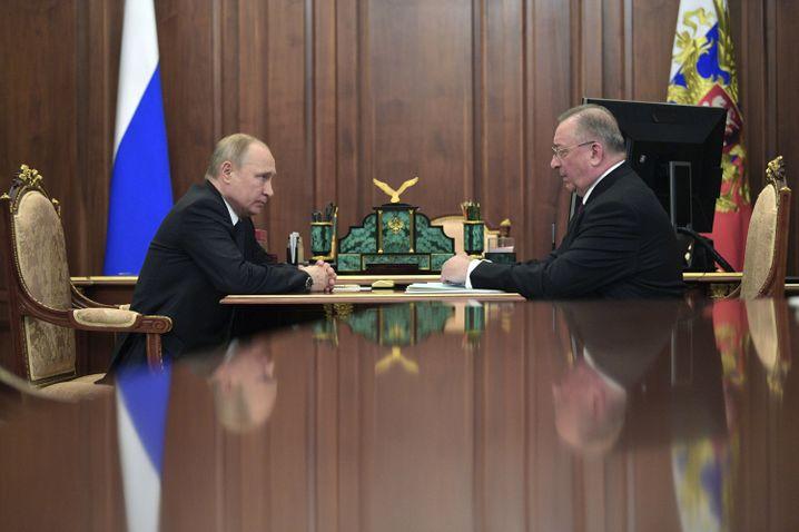 Gespräch zwischen Wladimir Putin und Transneft-Chef Nikolaj Tokarjew