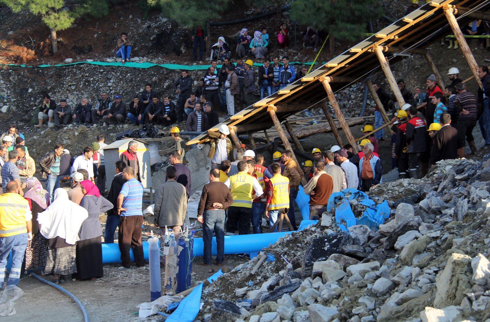 Mine collapse in Turkey