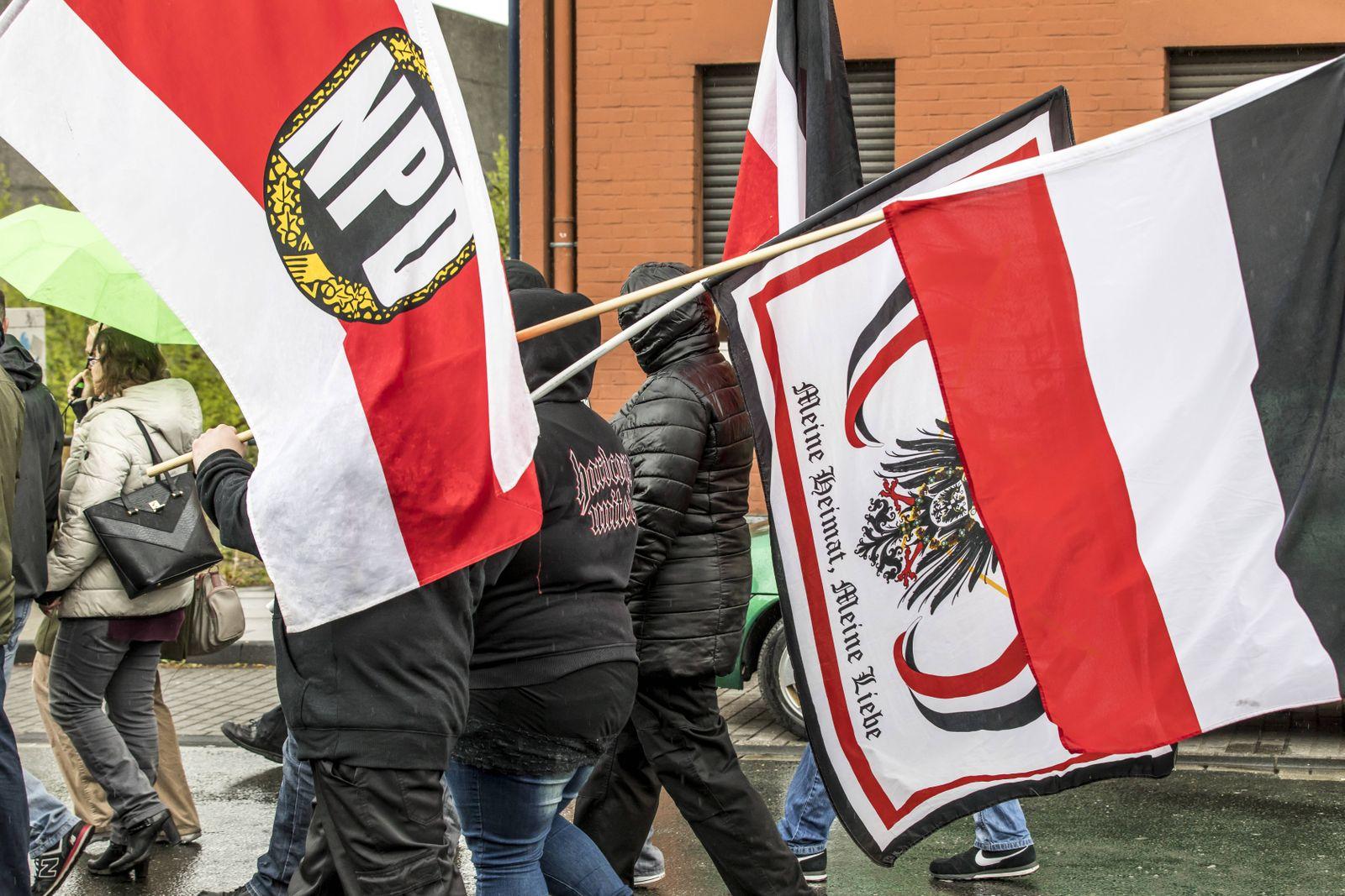 EINMALIGE VERWENDUNG NPD / Demonstration