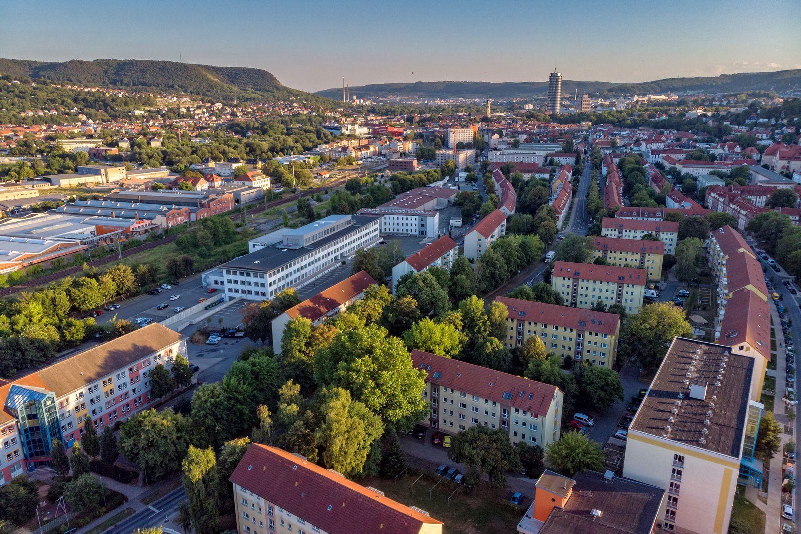 EINMALIGE VERWENDUNG Lesereise im Osten/ Jena