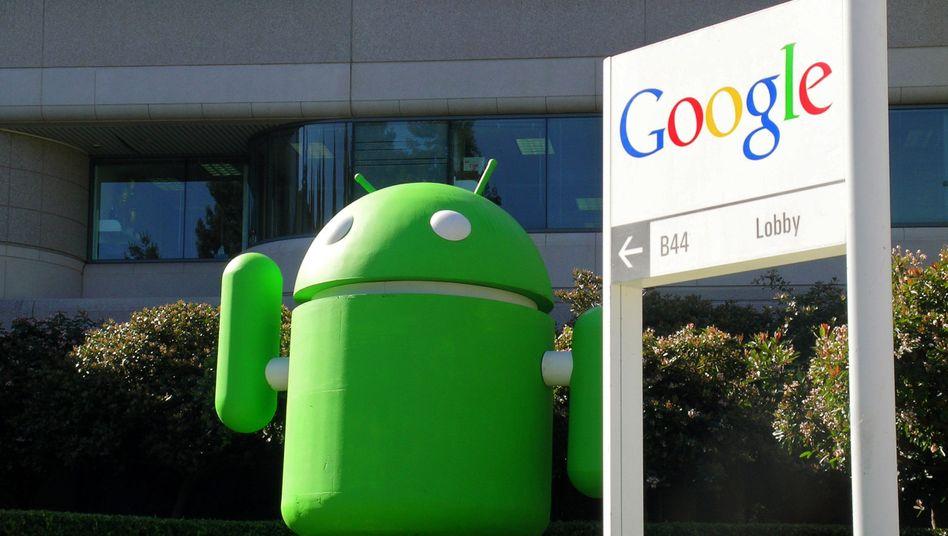 Android-Maskottchen (vor der Google-Zentrale in Mountain View, Kalifornien): Manche Handynutzer haben gerade Probleme